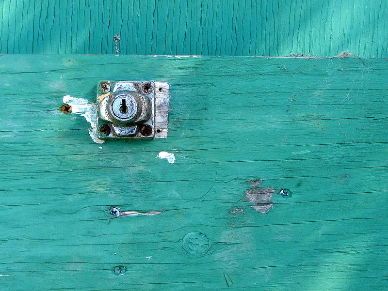 Minimalist Doorlock
