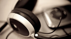 Headphones and mp3 player