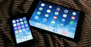 dangerous effects of light emitted from ipad and iphone